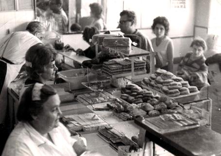 A 70-es évek eleje, a kép alján Hedda