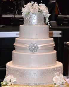 kb. 110 szeletes esküvői torta, rendelhető kevesebb szint is