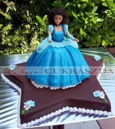 Hamupipőke Barbie torta
