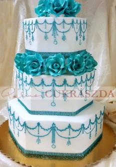 70 szeletes torta, de rendelhető kettő illetve egy szint is