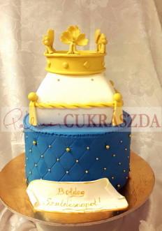 30 szeletes torta, amely ebben a formában kisebb méretben nem rendelhető