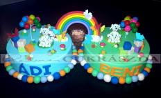 Ikerfiúknak készült születésnapi torta