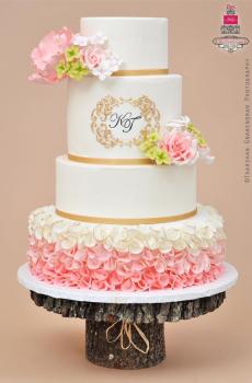 85 szeletes torta, de rendelhető külön bármelyik szintje is