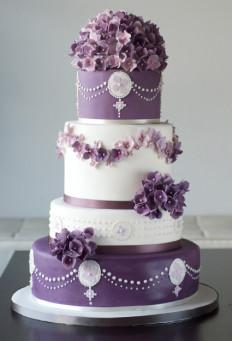 85 szeletes torta, de rendelhető kevesebb szint, vagy akár egy szint is