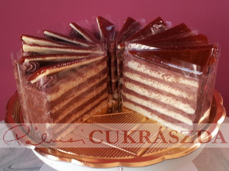 dobos torta 16 szeletes, azonnal kapható, nagyobb méretben 2-3 nappal előbb szükséges a rendelést leadni