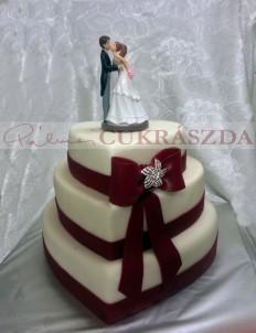 70 szeletes esküvői torta bordó szalaggal