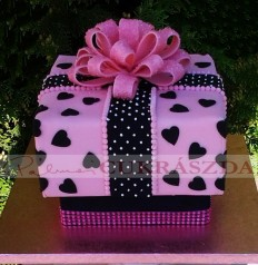 15 szeletes ajándékdoboz lányoknak
