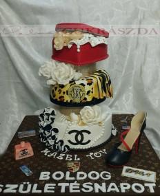 60 szeletes divatmárka torta