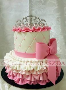 30 szeletes torta, de külön bármelyik szint rendelhető.