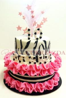 25 szeletes emeletes születésnapi torta