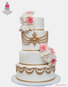 75 szeletes torta, de rendelhető külön bármelyik szintje is