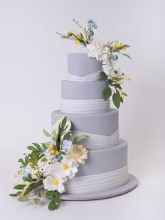 85 szeletes torta, de kérhető külön bármelyik szintje