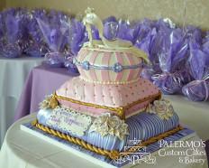 75 szeletes torta, de kérhető bármelyik szintje is külön