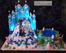30 szeletes torta, ára 45 ezer ft