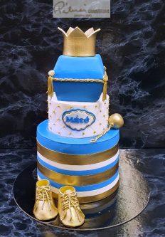 50 szeletes torta, ára 75 ezer ft, rendelhető kevesebb szint is